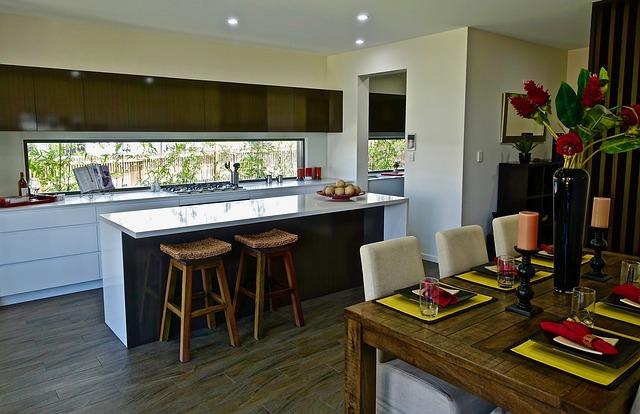 obytná kuchyň s barovým pultem