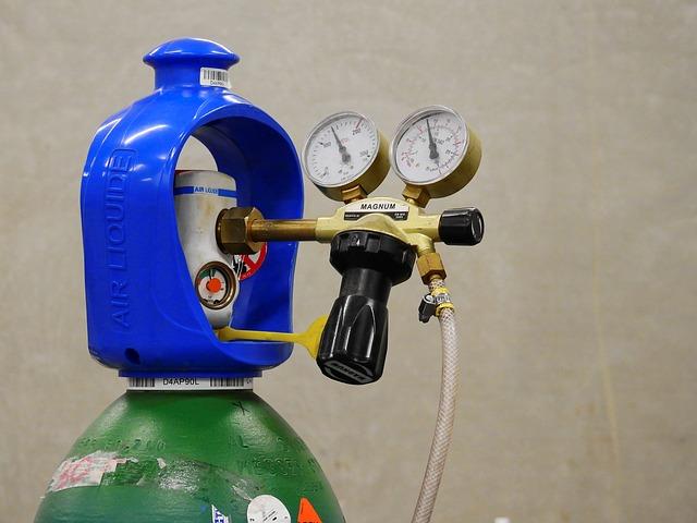 K čemu se využívá elektrolýza vody